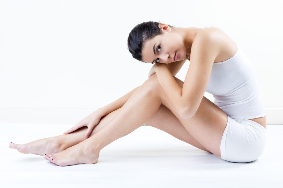 Chica con las piernas depiladas